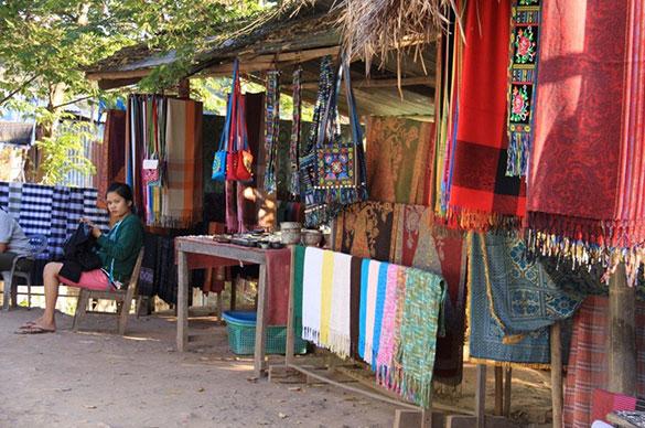 Jumbo Guesthouse-Handycraft Village